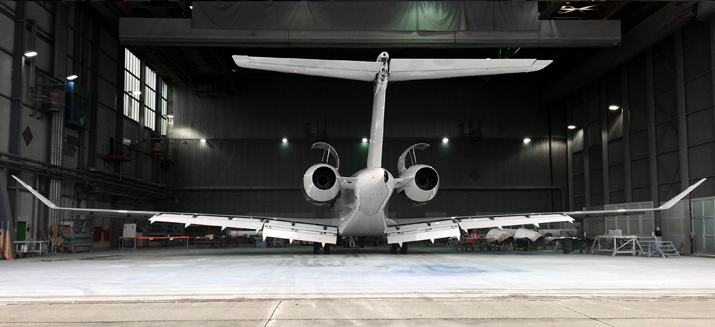 Global 7500 in hangar web
