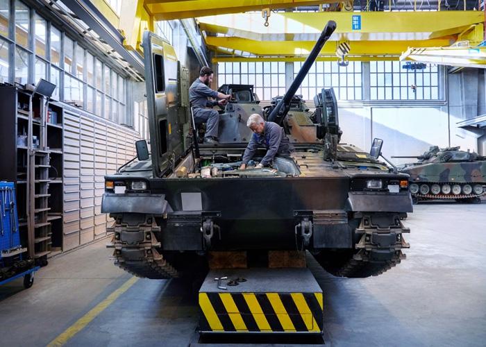RUAG unterzeichnet Vertrag im Rahmen des Programms Nutzungsverlängerung Schützenpanzer 2000