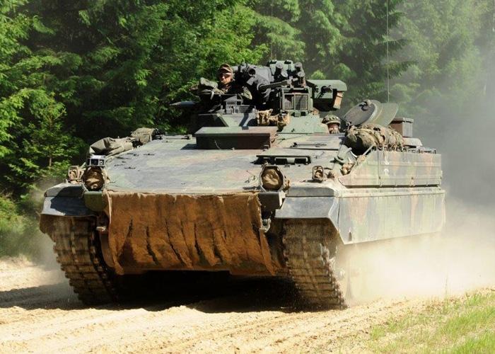 Rheinmetall modernisiert Schützenpanzer Marder der Bundeswehr mit neuen Fahrer-Nachtsichtgeräten