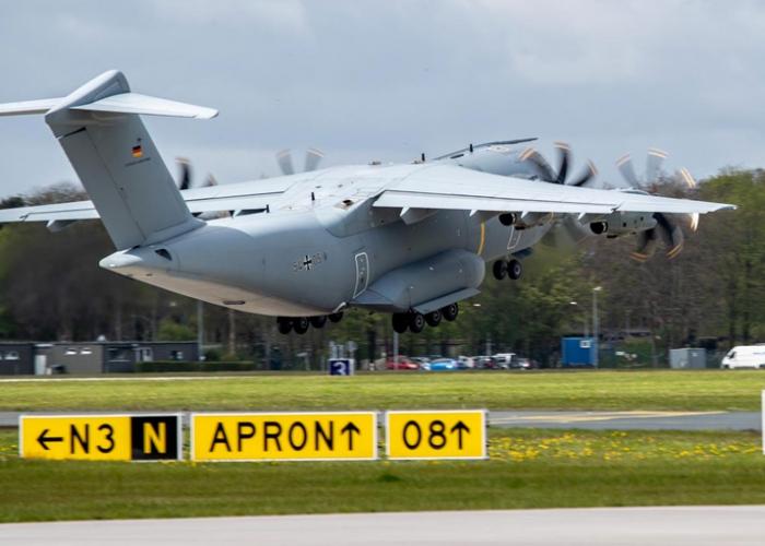 Corona-Hilfe: Luftwaffe fliegt Sauerstofferzeugungsanlage nach Indien