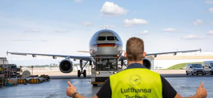 Übergabe eines Airbus A321 an die Bundeswehr